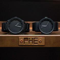 Het Leff amsterdam Tube horloge is een horloge dat gezien mag worden! Het ontwerp is even simpel als stijlvol en de hoogwaardige afwerking geeft dit horloge een luxe uitstraling. Hij is bovendien voorzien van een comfortabele schakelarmband.