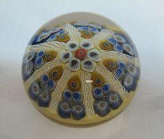 Art Glass Paprweight Strathearn Glass, Scotland
