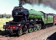 Flying Scotsman is one of the most famous steam trains in the world. It holds two world records; the first non-stop run from London to Edinburgh and the first documented run.<<<<Flying Scotsman is so awesome Diesel, By Train, Train Tracks, Old Steam Train, Flying Scotsman, Tramway, Bonde, Steam Railway, Old Trains