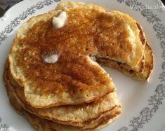 Lievance z ovsenných vločiek a kyslého mlieka s medovo-škoricovým maslom