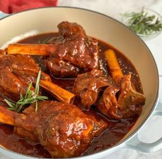 • • INGREDIENTS 2 tbsp olive oil 4 lamb shanks 1 large onion finely chopped 2 tbsp paprika 2 large carrots peeled and sliced 4 garlic clove… Lamb Recipes, Meat Recipes, Easy Mediterranean Diet Recipes, Lamb Curry, Large Oven, Lamb Shanks, Main Dishes, Beef