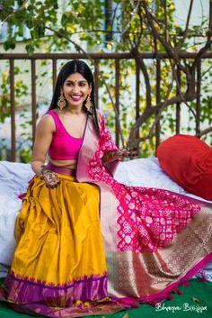 Photo of Light mehendi lehenga with benarasi dupatta Indian Wedding Outfits, Bridal Outfits, Indian Outfits, Dress Indian Style, Indian Dresses, Lehenga Indien, Mehendi Outfits, Indian Bridal Lehenga, Bridal Mehndi