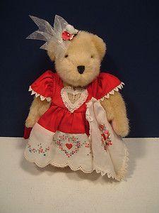 *1982 Muffy vanderBear ~Valentine Red Heart