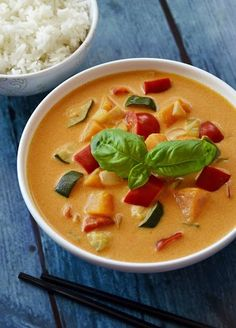 Udka z kurczaka pieczone z ryżem | Wyzwania Kuchenne Korean Food, Tofu, Thai Red Curry, Vegetables, Cooking, Ethnic Recipes, Character, Diet, Kitchen