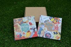 """Meraki Tanttak, una caja con dos bellos libros llenos de arte, emociones, diversidad... Contiene dos libros: """"Meraki, emociones, tormentas y brillos"""" que es un volumen con 11 álbumes ilustrados por diferentes artistas, y """"Tanttak, pociones para alumbrar mundos"""", un hermoso y especial banco de recursos basados en el Mindfulness, la Arteterapia, la Psicología Positiva y la Gestalt entre otras corrientes. Una nueva herramienta que hace las delicias de niñ@s y no tan niñ@s."""