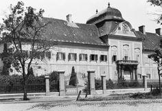Kossuth Lajos tér 24., Grassalkovich-kastély.