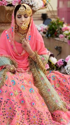 Wedding Suits For Bride, Couple Wedding Dress, Sikh Wedding, Indian Gowns Dresses, Indian Fashion Dresses, Bridal Dresses, Bridal Suits Punjabi, Indian Dresses Traditional, Punjabi Suits Designer Boutique