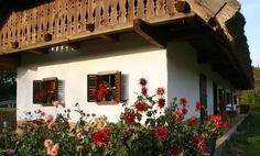 Őrség (Forrás: Őrség képekben facebook) Travelogue, Farmhouse, Houses, Facebook, Home Decor, Homes, Decoration Home, Room Decor, House