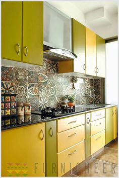 Kitchen Decor Ideas Decoration is entirely important for your home. Whether you pick the Color Ideas For Kitchen Walls or Rever Pewter Benjamin Moore, you will make the best Kitchen Decor Ideas Decoration for your own life. Kitchen Cabinets And Backsplash, Kitchen Tiles Design, Modern Kitchen Cabinets, Kitchen Colors, Interior Design Kitchen, Kitchen Designs, Backsplash Tile, Tiles For Kitchen, 2 Colour Kitchen Cabinets