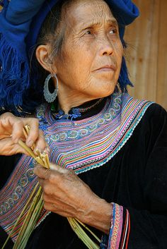 Flower Hmong Woman in Bac Ha....by *omnia*