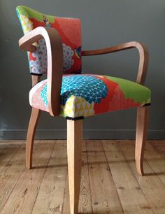Small Accent Chairs For Living Room Chaise Diy, Chaise Chair, Chair Upholstery, Upholstered Chairs, Funky Chairs, Old Chairs, Colorful Chairs, High Chairs, Lounge Chairs