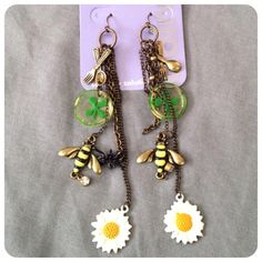 Spotted while shopping on Poshmark: 🆕 dangle earrings! #poshmark #fashion #shopping #style #Claire's  #Jewelry