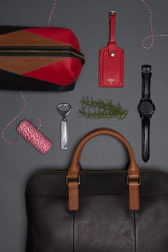 @Fossil has must-have gifts this season, gift curiously.