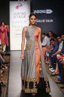 Navratri outfit ideas for lehenga, blouse, kurtis and indo western Bei colori Pakistani Dresses, Indian Dresses, Indian Outfits, Indian Attire, Indian Wear, Kurta Designs, Blouse Designs, India Fashion, African Fashion