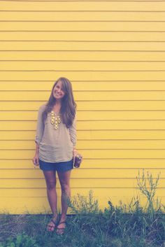 http://www.ohsweetjoy.com/2012/08/outfit-schmoutfit-it-was-all-yellow.html