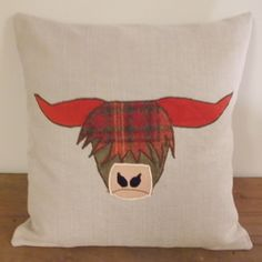 funky highland cow cushion can be made to specification Applique Cushions, Wool Applique, Applique Patterns, Applique Designs, Sewing Patterns, Fabric Toys, Fabric Crafts, Sewing Crafts, Sewing Projects