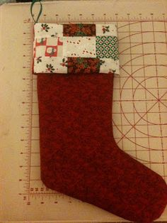 ZiaMariaDesigns: Pattern Review {Christmas Stocking Tutorial from Fabric Worm}