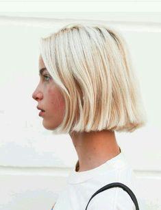 Modern Short Blonde Hairstyles for Ladies. Short blonde hairstyles and haircuts have often been considered to be stylish. Short Blonde Haircuts, Short Blonde Bobs, Blonde Hairstyles, Blunt Blonde Bob, Short Blond Hair, Short Blunt Bob, Modern Hairstyles, Bleach Blonde Bob, Short Blunt Haircut