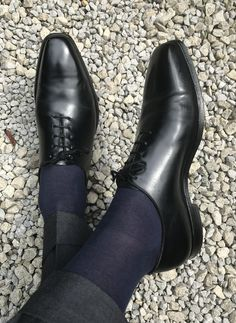 New Sprezzatura : Photo Sock Shoes, Shoe Boots, Gentleman Shoes, Business Shoes, Formal Shoes For Men, Kinds Of Shoes, Shoe Collection, Loafer Shoes, Fashion Boots