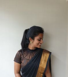 Blouse Braut Saree Bluse Designs schwarz 69 trendige Ideen Why Do Teens Want To Be Fa Black Blouse Designs, Cotton Saree Blouse Designs, Silk Saree Blouse Designs, Saree Blouse Patterns, Designer Blouse Patterns, Bridal Blouse Designs, Pattern Blouses For Sarees, Latest Blouse Designs, High Neck Saree Blouse