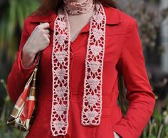 Simple but elegant scarf with hearts. FREE instructions. Needs translation but easily translated and understood.