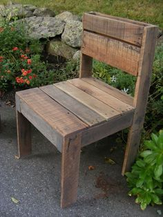 10 Steps to make a beautiful pallet chair from pallet furniture for your home. After selecting the appropriate pallet for the chair project from a hard wood Wooden Pallet Crafts, Wood Pallet Furniture, Diy Pallet Projects, Wooden Pallets, Pallet Ideas, Furniture Projects, Furniture Plans, Wood Projects, Diy Furniture
