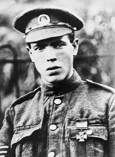 Sergeant Ivor Rees of the 11th Battalion, South Wales Borderers, awarded the Victoria Cross for capturing a German machine gun and pillbox a...