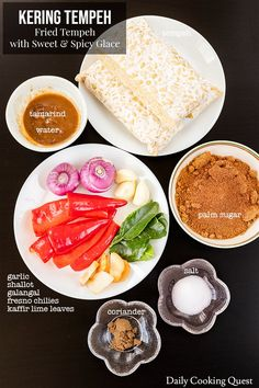 Kering Tempeh - Fried Tempeh with Sweet and Spicy Glace Recipe Indonesian Food Traditional, Indonesian Cuisine, Tempe Recipe, Indian Food Recipes, Asian Recipes, Recipe Daily, Malay Food, Snacks Dishes