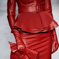 🌟Маленькая деталь стиля вечернего туалета🌟 🙋🏼Есть в наличии. Доставка по всему миру 🇺🇦🇷🇺🇪🇺 Gloves Fashion, Leather Gloves, Peplum Dress, Style Inspiration, Cow Hide, Lady, Winter, Dresses, Winter Time