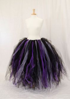 Items similar to Custom Color Long Tutu skirt - Fairy costume accessory on Etsy Witch Costumes, Disney Costumes, Diy Halloween Costumes, Ursula Costume Diy, Halloween Party, Halloween Halloween, Halloween Makeup, Long Tutu Skirt, Diy Tutu Skirt