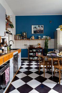 French Home Decor .French Home Decor Kitchen Interior, Home Interior Design, Kitchen Furniture, Ideas Para Organizar, Cozy House, Interiores Design, Cheap Home Decor, Interior Inspiration, Home Kitchens