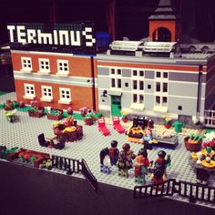 Those who arrive survive!?! The Walking Dead Lego Terminus