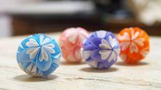 クラフトパンチで作る可愛い小花のくす玉の作り方 | 見たものクリップ Origami Easy, Origami Paper, Diy And Crafts, Arts And Crafts, Paper Crafts, Bomb Making, How To Make Paper Flowers, Quilling Designs, Paper Beads