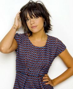 Frisuren Lily Allen Buying Clothing When Christmas Shopping Article Body: Christmas shopping can be Short Hair With Layers, Layered Hair, Short Hair Cuts, Layered Bob With Bangs, Layered Bobs, Haircuts With Bangs, Cool Haircuts, Short Shag Hairstyles, Cool Hairstyles