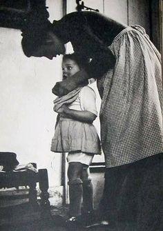 La mamma è l'unica persona nella nostra vita che ci concede gratuitamente ciò che tutti gli altri ci fanno pagare caro: il perdono.