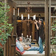 Love the rustic feel when decorating outdoors