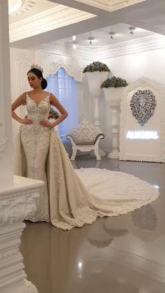 Extravagant Wedding Dresses, Puffy Wedding Dresses, Crystal Wedding Dresses, Gorgeous Wedding Dress, Princess Wedding Dresses, Dream Wedding Dresses, Bridal Dresses, Wedding Gowns, Bridesmaid Dresses