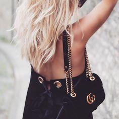 Black & Gold Details #gucci #guccimarmont #guccivelvet #velvetgucci #velvetmarmont #velvetguccimarmont #guccimarmont #guccimarmontvelvet #saboskirt #saboskirtambassador #streetstyle #streetstyleluxe #luxuryfashion