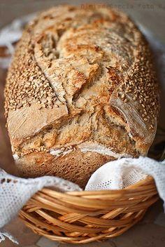 Rustic sourdough sandwich loaf / Pan de molde rústico con masa madre | El Invitado de Invierno