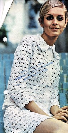 1960's mod mini dress and suits crochet patterns- Twiggy The 1960s was a wonderful time for fashion- the swinging 60s had really taken off in London and British  designers such as Mary Quant bought the mini skirt into vogue.  The mod scene took fashion to its heart- many top pop stars wore mod suits and the girls wore stylish mod fashions- and it wasnt long before the yarn companies bought out knitting and crochet leaflets  to enable everyone to make fab mod fashions at home
