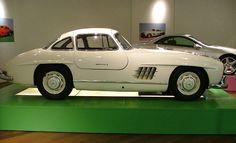 Mercedes Benz - 300 SL Gullwing
