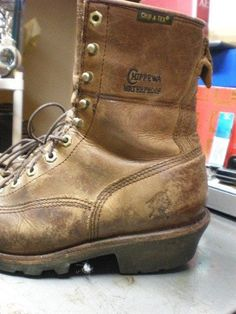 Chippewa Briar Pitstop Logger Boots Mens 8M Vibram Sole Lace-Up Leather Preowned #Chippewa #WorkSafety
