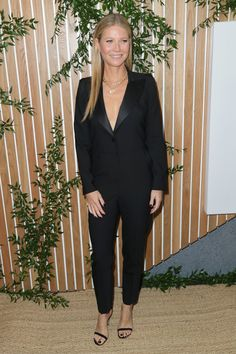 She's the star of Netflix's new television series, The Politician. And on Tuesday evening Gwyneth Paltrow, stepped out for the grand opening of the 1 Hotel West Hollywood event. Gwyneth Paltrow, Vogue Fashion, Star Fashion, 90s Fashion, Autumn Fashion, Celebrity Outfits, Celebrity Style, A Perfect Murder, Serie Suits