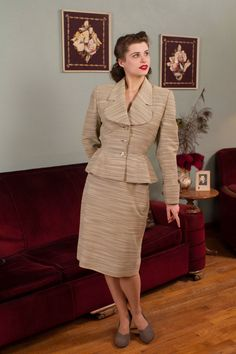 Vintage 1950s Suit - Variegated Lilli Ann Skirt Suit with Nipped Fit and Flare Silhouette - The Dorian