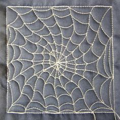 Okay, I have to learn to quilt this spiderweb pattern! This site has instructions!
