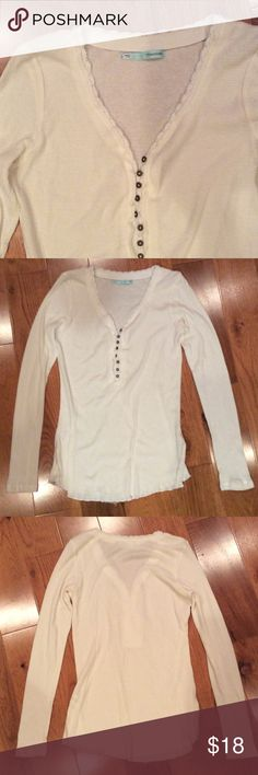NWOT Long Underwear Style Top This top looks great on a cold day. Pair with jeans and boot socks, or your favorite pj pants! Maurices Tops Tees - Long Sleeve