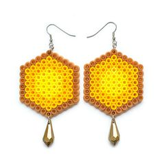 Honeycomb Örhängen via Mz Design. Click on the image to see more!