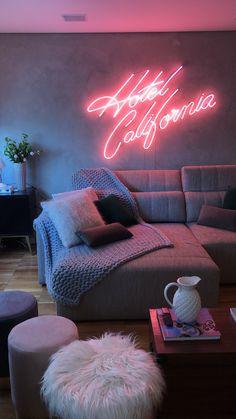 Art Deco Living Room, Living Room Colors, Living Room Lighting, Living Room Designs, Hotel California, California Apartment, Ikea Bedroom Decor, Neon Sign Bedroom, Neon Lights Bedroom