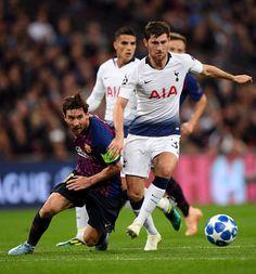 Lionel Messi, Ben Davies, Tottenham Hotspur Players, Argentina National Team, Messi Photos, Cami Set, Wembley Stadium, Team Player, Uefa Champions League