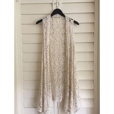 Urban Outfitters Top NWOT • Urban Outfitters Staring at Stars • sleeveless crochet kimono • fits a size small & probably a large too Urban Outfitters Tops
